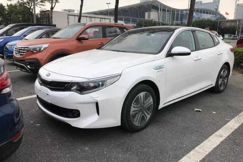 2018广州车展探馆:起亚K5 PHEV亮相