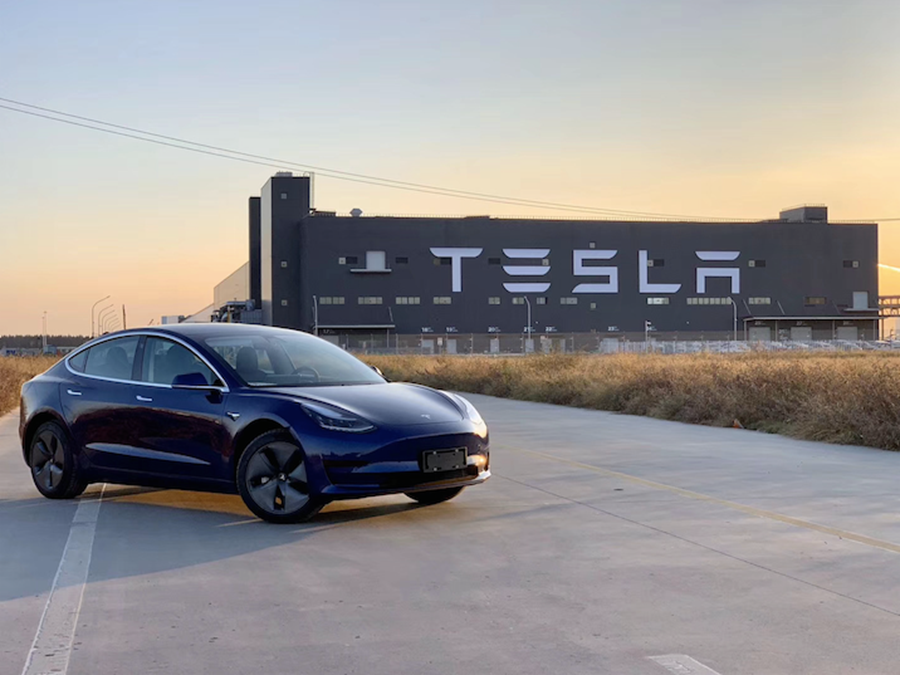 �产Model 3����� 并�广�车�正�亮�