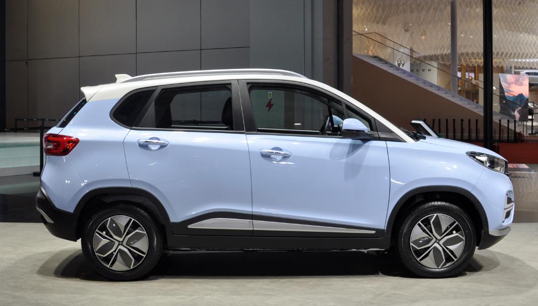 1月31日前购车仍可享补贴 哪吒N01推出保价政策