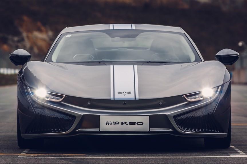 高颜值下的硬实力 国内首款纯电跑车上市一周年