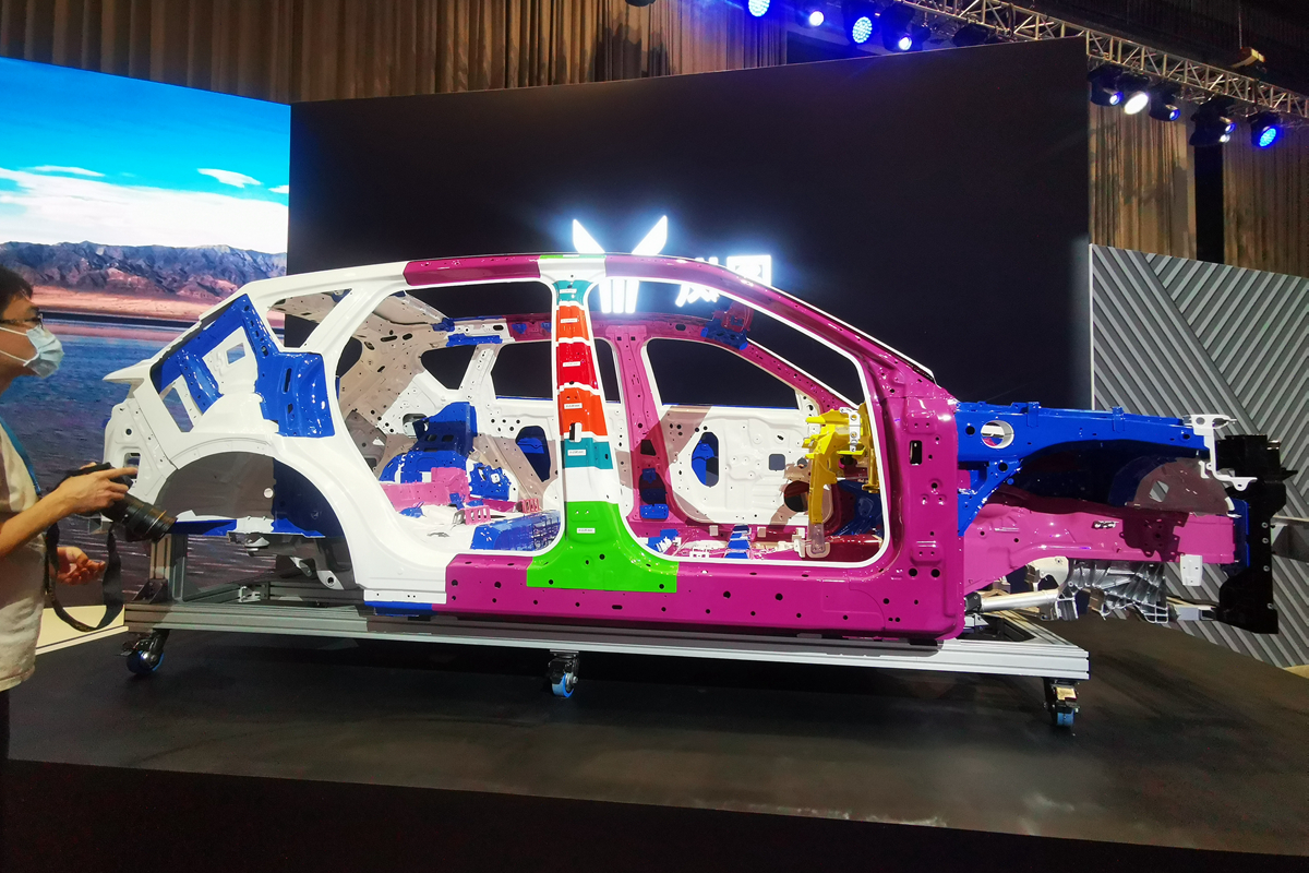 首款SUV车型将于12月全球首发 岚图汽车举行技术开放日
