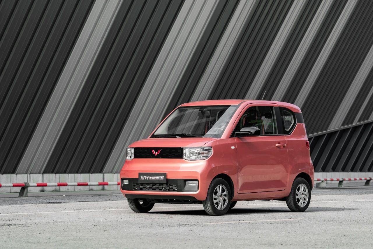 宏光MINI EV预售价2.98万起 配一键补电功能/最大续航170km