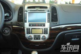 现代-新胜达(进口)-2.4 舒适版 七座四驱