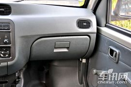 上汽通用五菱-五菱之光-1.0L新版实用型短车身L2Y