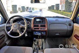 郑州日产-日产皮卡D22-2.4L汽油四驱高级型