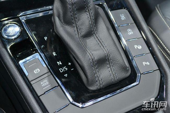 """凌渡也是大众在华首款采用全新车尾标识的车型,具体格式为:""""以牛·米为单位的扭矩等级的标记值+发动机技术类型""""。在凌渡上将由三种标识,其中1.4TSI低功率版车型为""""230TSI""""、1.4TSI高功率版车型为""""280TSI"""",1.8TSI车型为""""330TSI""""。在7款车型中,1."""