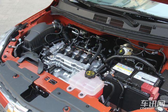 在动力方面赛欧3搭载1.3L和1.5L两款发动机。1.3L自然吸气发动机最大马力103匹,最大功率76千瓦,最大扭矩127牛米搭配5挡手动或5挡AMT变速箱。1.5L自然吸气发动机最大马力113匹,最大功率83千瓦,最大扭矩141牛米搭配5挡手动或5挡AMT变速箱。在油耗方面赛欧3工信部给出的综合油耗1.