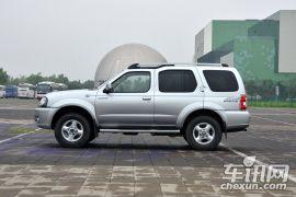 郑州日产-奥丁-2.5T 手动四驱豪华版  ¥15.98