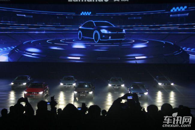 报道】上海大众首款轿跑车凌渡正式上市,新车共推出7款车型,售价区间为14.59万-21.39万元。新车官方定义为宽体轿跑,基于大众MQB模块化平台打造。将搭载1.4TSI和2.0TSI两款发动机,其中1.4TSI发动机由于调校不同具有两种不同的动力输出。