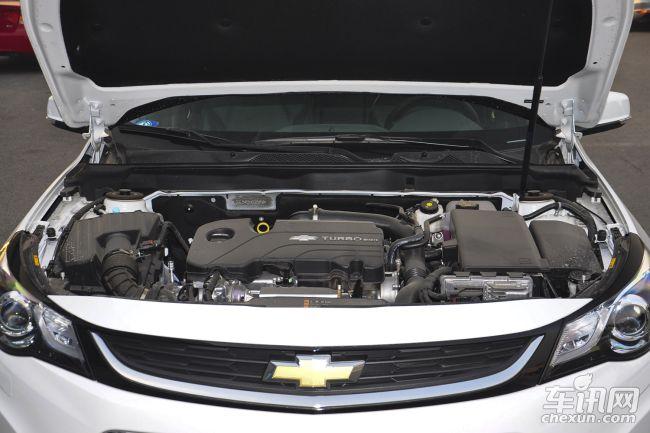 动力方面,迈锐宝搭载了1.6T、2.0L和2.4L 三种排量的发动机。其中,2.0L与2.4L两款自然吸气发动机已在别克新君威上出现,1.6T则是上海通用汽车旗下首款搭载 1.6L Ecotec 涡轮增压发动机与全新一代6速手自一体变速器的中高级车型,具备高性能、低油耗的特点,堪称国内最强性能的小排量涡轮增压车型。最大功率125kW ,最大扭矩252N·m(文/车讯网 武汉站 李康)   注:汽车市场价格多变,文章内的价格信息为编辑在市场上采集到的当日实时价格,以当日为准。同时此价格是