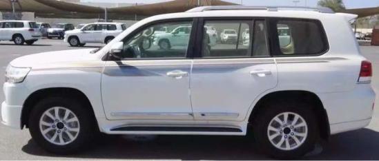 丰田酷路泽4000最低价优惠 现车全国上牌