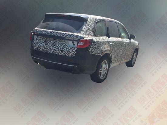 红旗中大型SUV车型HS7谍照 将于年内上市