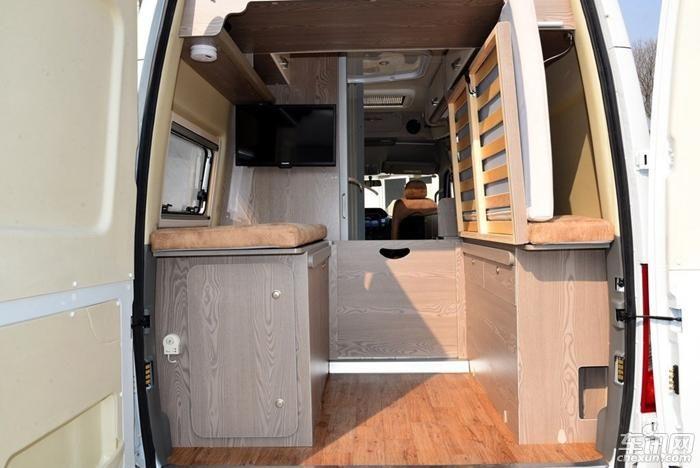 上汽大通览众B5房车上市 售34.9-42.8万元
