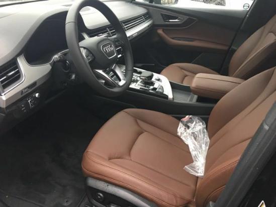 奥迪Q7北京现车销售  购车赠油卡汽车装饰