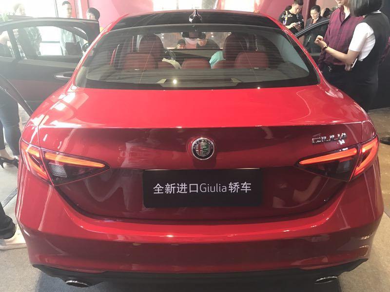阿尔法·罗密欧全新进口Giulia豪华轿车厦门