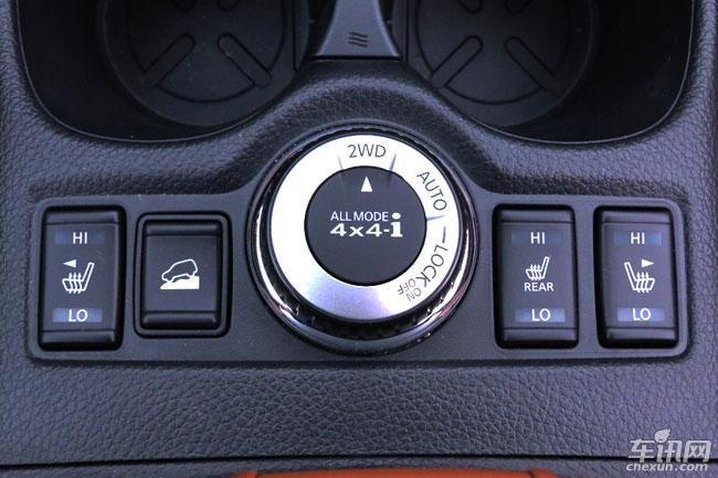 另外,该车型还分别搭载一键启动,定速巡航,7英寸中控屏,3d行车信息