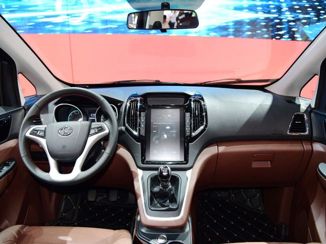 2017重庆车展 睿行S50T发布或9月正式上市