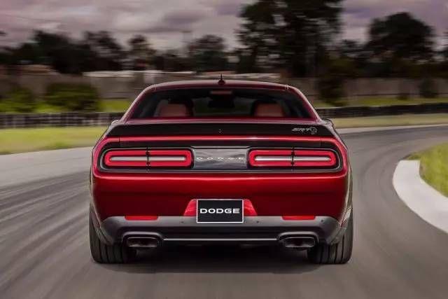 Challenger SRT Hellcat Widebody宽体版