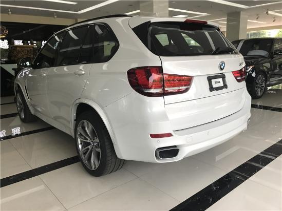17款宝马X5超强动力和精准操控的机能 SUV中的俊彦