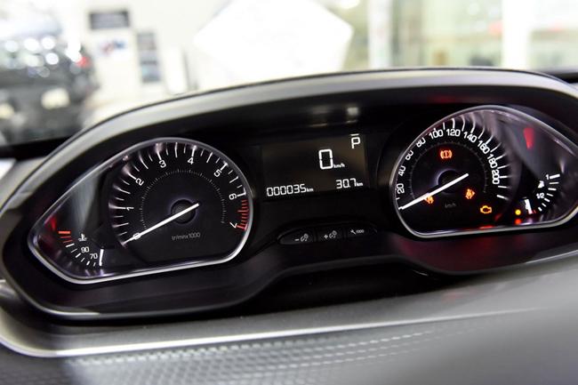 2018款标致2008正式上市 1.6L车型换装6AT