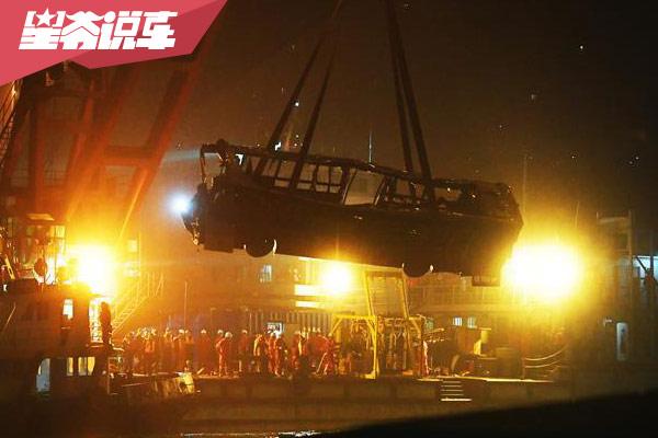 重庆万州公交必威手机版悲剧根源 惟我独尊长盛不衰