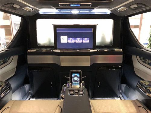 蒙娜丽莎现车多少钱 SKY星空版环绕KTV上市
