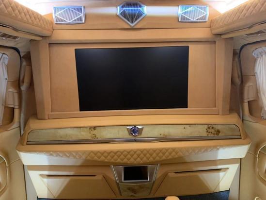 奔驰V260L七座添誉版房车多少钱优惠中.