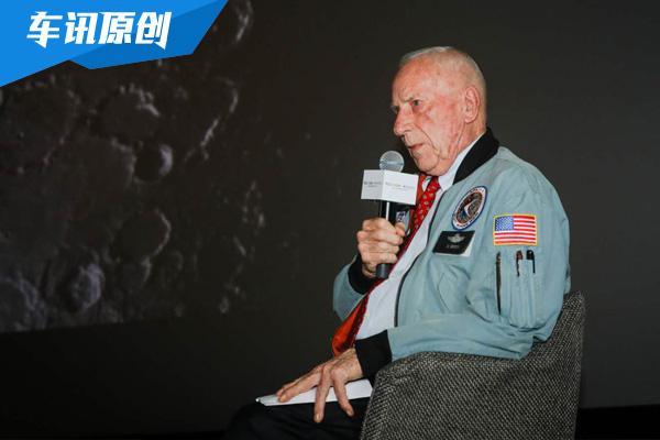 登月宇航員在地球開什么車 雪佛蘭科爾維特