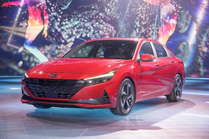 现代汽车集团举办第7代伊兰一汽奔腾b50-特全球发布暨伊兰特车型30周年庆典