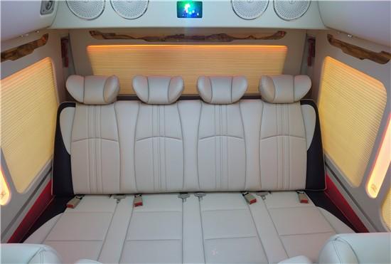 丰田考斯特机场招待12座新车上市