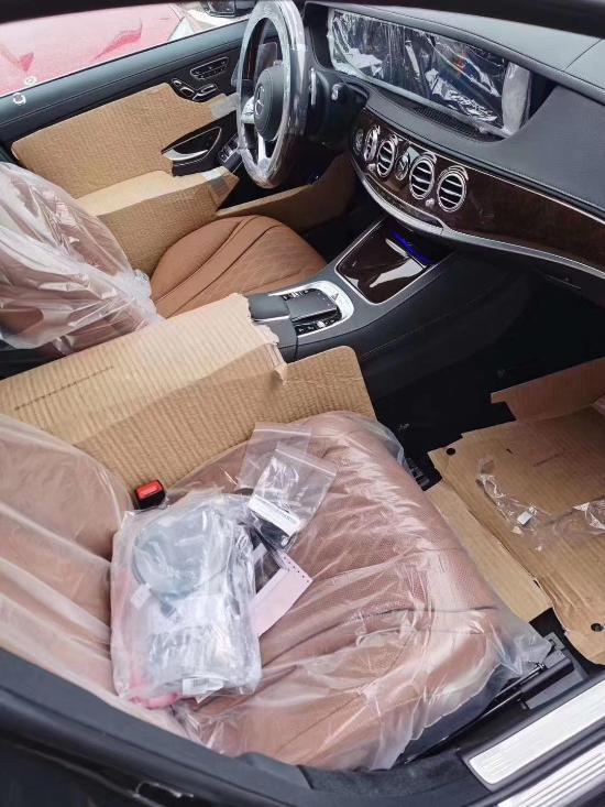 20款奔驰迈巴赫S450黑棕售全国十月惊艳购