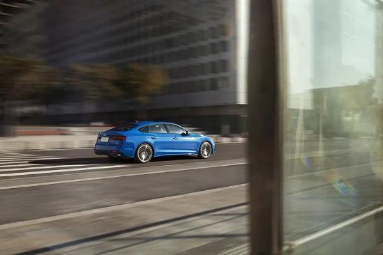 百公里加速6秒出头,新款奥迪A5真的有颜值就任性?