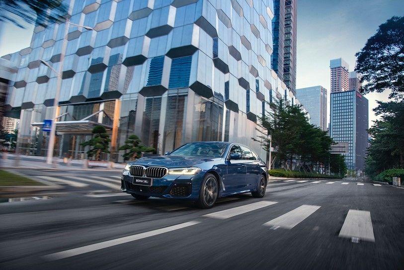 """新BMW 5系东南区媒体试驾书写""""吾辈正当时"""""""