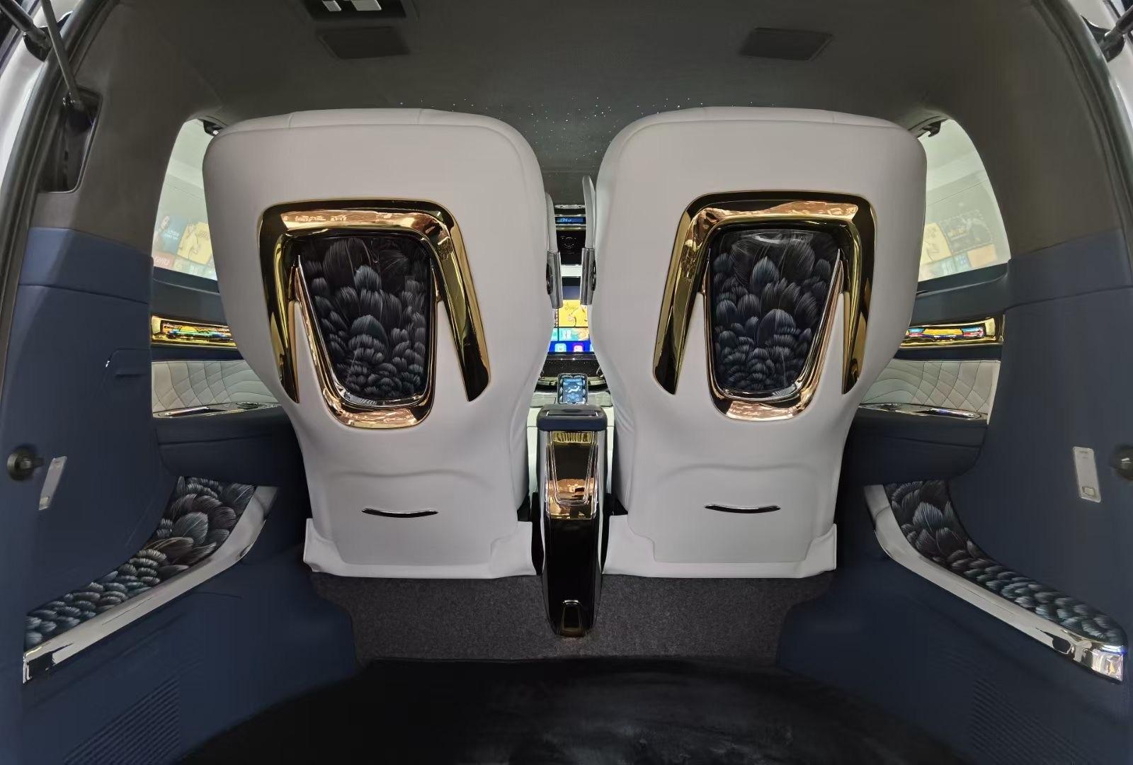 丰田埃尔法蒙娜丽莎版-皇家贵宾舱象征