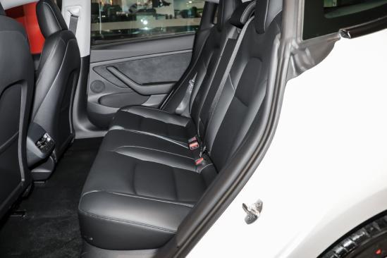 新增双层房门直接打开玻璃/电动尾门!新款特斯拉Model 3值不值